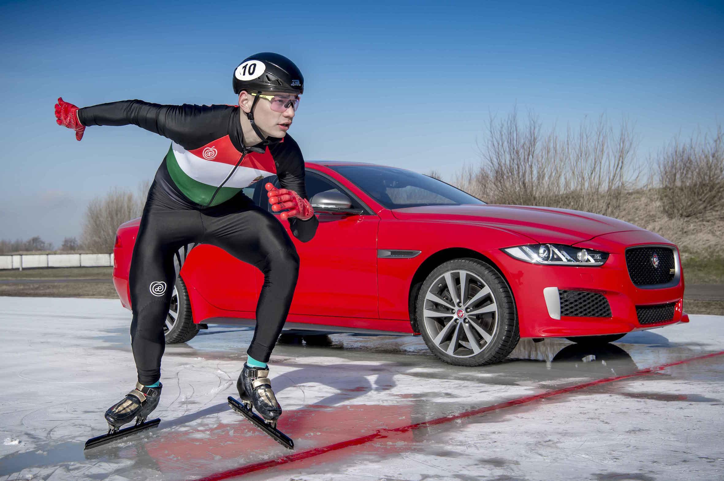 Jaguar apresenta XE 300 Sport com recorde…no Gelo!