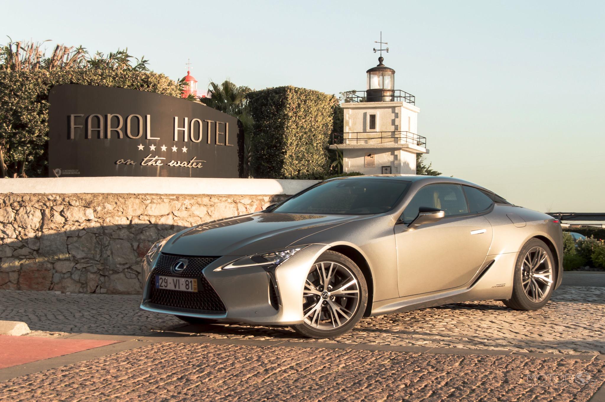 Conhecer a 'Riviera Portuguesa' a bordo do Lexus LC500h