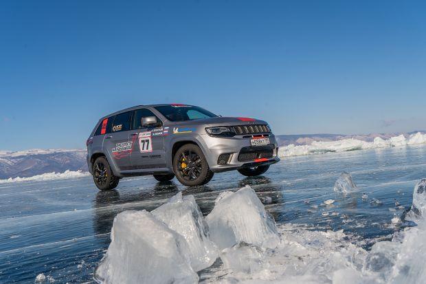 Jeep® Grand Cherokee Trackhawk passa a ser o SUV mais rápido…sobre o Gelo!