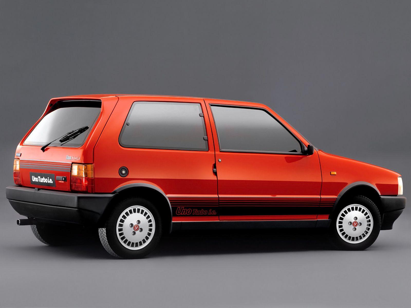 """""""Um desportivo que tinha (quase) tudo"""" –  FIAT Uno Turbo i.e"""