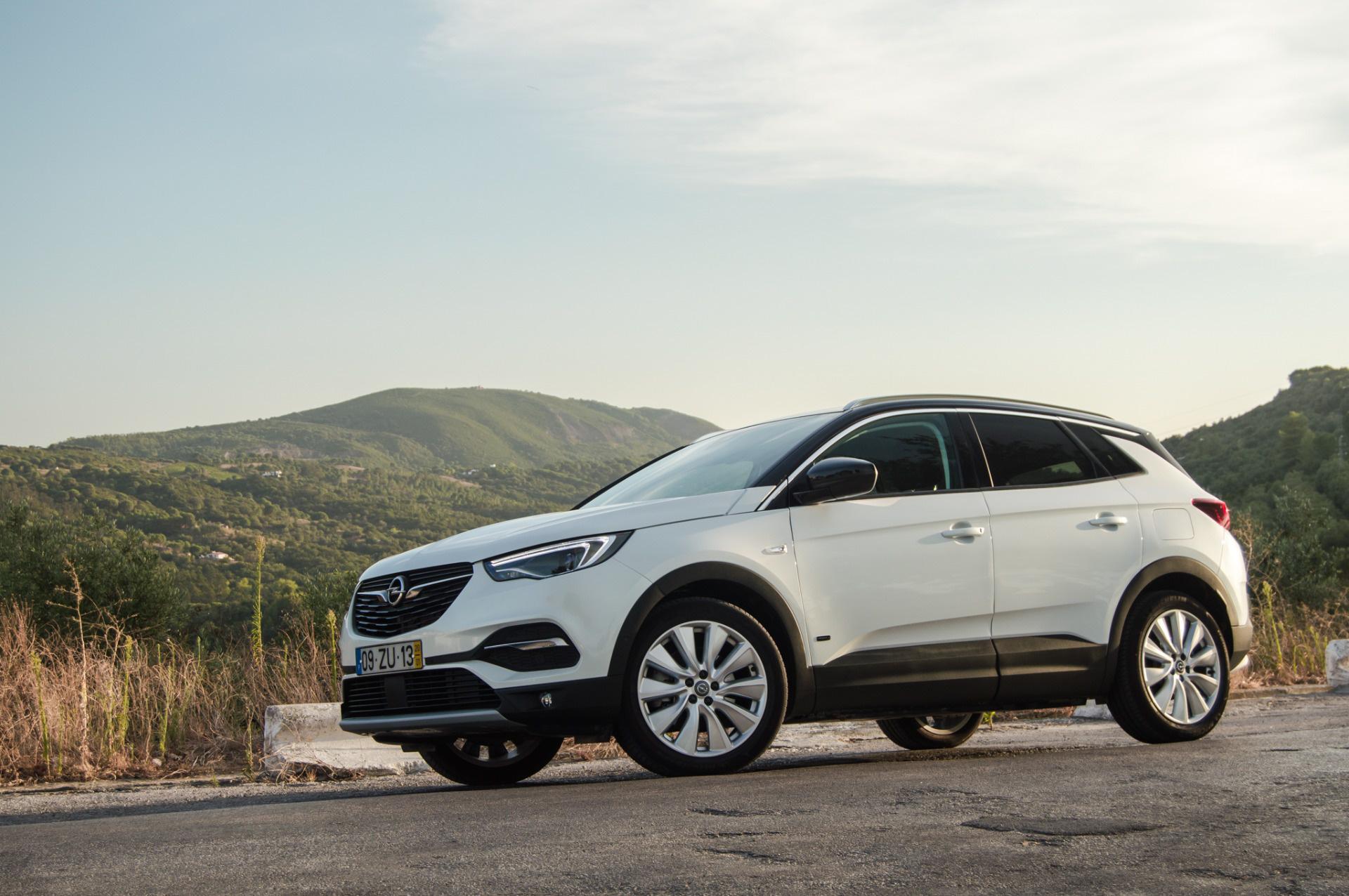 """""""Este SUV é a proposta mais potente da marca"""" – Opel GrandLand X Hybrid4"""