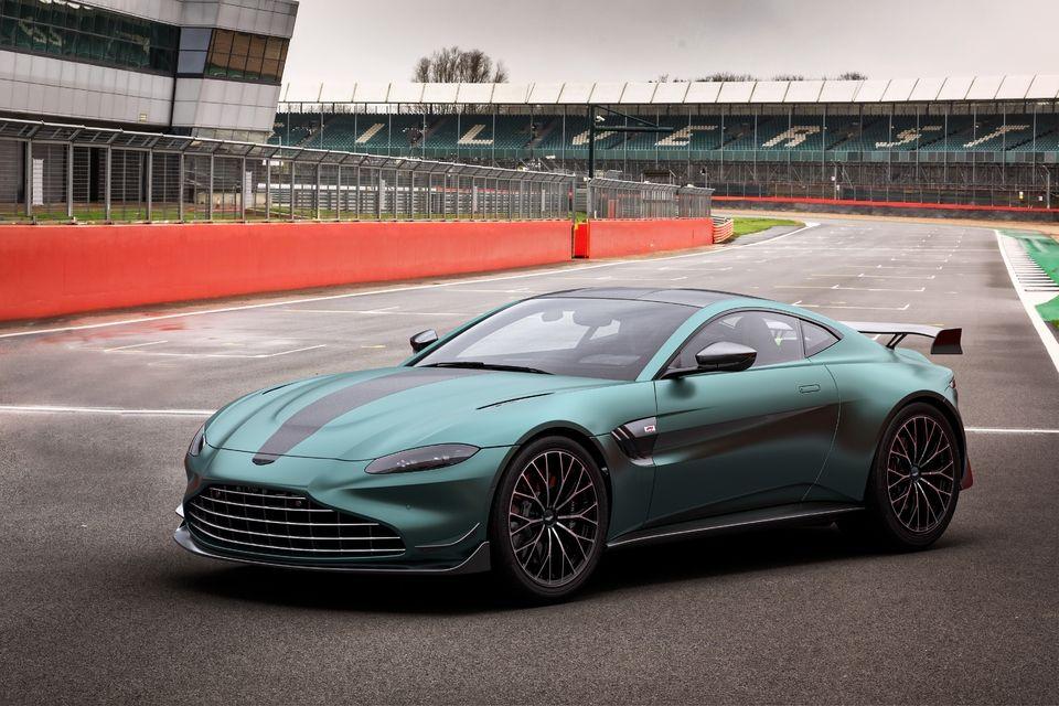 Aston Martin apresenta Vantage F1 Edition